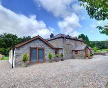 Snaptrip - Last minute cottages - Quaint Neath Rental S11484 - WAY153 - Exterior View 3