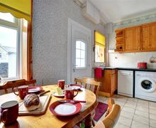 Snaptrip - Last minute cottages - Attractive Tywyn Cottage S49624 - WAH571 - Kitchen Diner