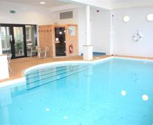 Snaptrip - Last minute cottages - Attractive Tenby Apartment S43792 -  Indoor pool and sauna