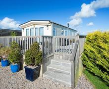 Snaptrip - Last minute cottages - Attractive Abersoch Lodge S73750 - ELIMLO - Exterior View 1