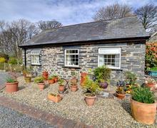 Snaptrip - Last minute cottages - Delightful Tywyn Rental S11155 - WAH330 - Exterior - View 1