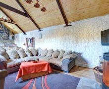 Snaptrip - Last minute cottages - Charming Llandeilo Cottage S74001 - WAW319 - Living Room - View 2