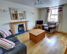 Snaptrip - Last minute cottages - Captivating Llanrhystud Rental S11354 - WAS390 - Sitting Room