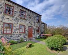Snaptrip - Last minute cottages - Luxury Prestatyn Rental S11242 - WAF166 - Exterior - View 2