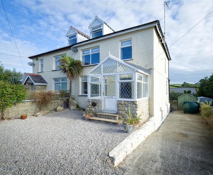 Gwelfryn House & Garden Flat GWELAN - Exterior View 1