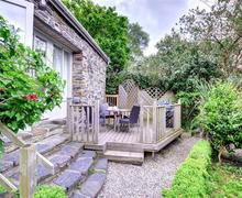 Snaptrip - Last minute cottages - Captivating Aberdyfi Cottage S46114 - FL036 - Decking View 1