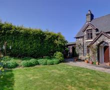 Snaptrip - Last minute cottages - Exquisite Bala Rental S11188 - WAE175 - View 1