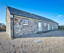 Snaptrip - Last minute cottages - Stunning Abersoch Cottage S73710 - CUBARN - Exterior View 1