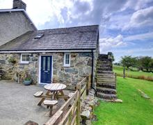 Snaptrip - Last minute cottages - Inviting Dolgellau Rental S11475 - WAH513 - Exterior - View 1