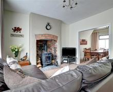 Snaptrip - Last minute cottages - Attractive Corwen Cottage S50172 - WAF250 - Sirring Room