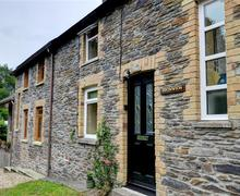Snaptrip - Last minute cottages - Splendid Newcastle Emlyn Cottage S57771 - WAT321 - Exterior View 1