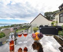 Snaptrip - Last minute cottages - Adorable Saundersfoot Cottage S60919 - Balcony - View 2