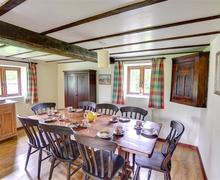 Snaptrip - Last minute cottages - Stunning New Radnor Rental S11328 - Dining Room