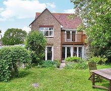 Snaptrip - Holiday cottages - Captivating Ryde Cottage S14289 -