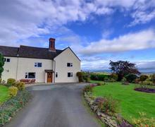 Snaptrip - Last minute cottages - Wonderful Montgomery Rental S11349 - WAB174 - Exterior - View 1