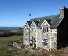 Snaptrip - Last minute cottages - Inviting Tywyn Rental S11427 - Exterior