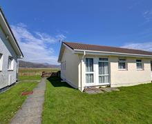 Snaptrip - Last minute cottages - Delightful Fairbourne Rental S11404 - WAH669 - Exterior - View 1