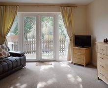 Snaptrip - Last minute cottages - Delightful Ryde Cottage S14306 -