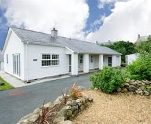 Snaptrip - Last minute cottages - Inviting Llanbedrog Cottage S73869 - 02 Ty Ni
