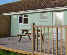 Snaptrip - Last minute cottages - Superb Ryde Cottage S14310 -