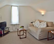 Snaptrip - Last minute cottages - Tasteful Ryde Cottage S14313 -