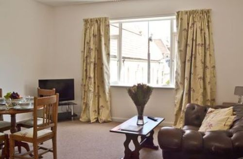 Snaptrip - Last minute cottages - Superb Ryde Cottage S14316 -