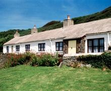 Snaptrip - Last minute cottages - Stunning St David's Rental S11468 - Exterior - Summer View 1
