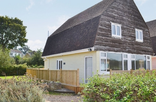 Snaptrip - Last minute cottages - Exquisite Ryde Cottage S14326 -