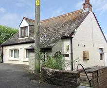Snaptrip - Last minute cottages - Cosy Polruan Low Village Rental S26194 - IMG_1068_edited-5