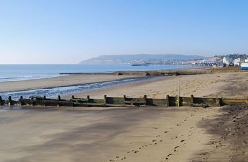 Snaptrip - Last minute cottages - Cosy Shanklin Apartment S14340 -