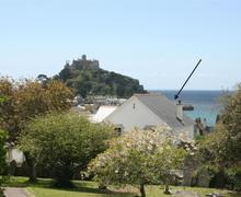 Snaptrip - Last minute cottages - Inviting  Rental S26530 - Sandcastles - see arrow
