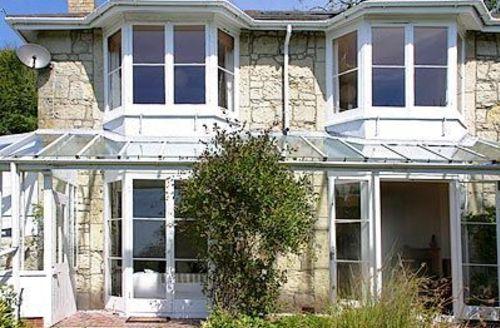 Snaptrip - Last minute cottages - Gorgeous Ventnor Cottage S14372 -