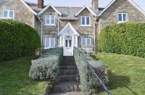 Snaptrip - Last minute cottages - Beautiful Ventnor Cottage S14381 -