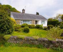 Snaptrip - Last minute cottages - Superb Llanbedrog Cottage S26933 - Greenacres-exterior