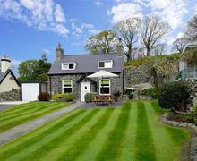 Snaptrip - Last minute cottages - Inviting Around Llanduno & Coast Cottage S26979 - Ciltreflys-exterior-15