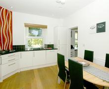 Snaptrip - Last minute cottages - Attractive Around Llandudno & Coast Cottage S57773 - Church-House-Kitchen-diner-2-16