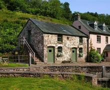 Snaptrip - Last minute cottages - Superb Brecon Cottage S40331 - Priory-Exterior