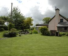Snaptrip - Last minute cottages - Wonderful Glasbury On Wye Cottage S40293 - ext