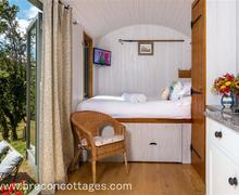 Snaptrip - Last minute cottages - Charming Dorstone Cottage S59215 - Shepherds Hut Web Jpegs-2