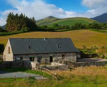 Snaptrip - Last minute cottages - Lovely Cantref Cottage S40200 - Beast-Exterior