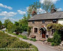 Snaptrip - Last minute cottages - Luxury Llanigon Cottage S57740 - Cliers Cottage web jpegs-3784