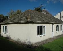 Snaptrip - Last minute cottages - Tasteful Llangynidr Cottage S40161 - Cae Bach in the village of Llangynidr
