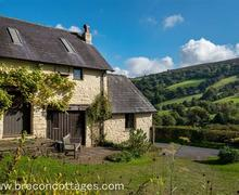 Snaptrip - Last minute cottages - Lovely Llangynidr Cottage S40241 - Caer Hendre Web Jpegs-6981