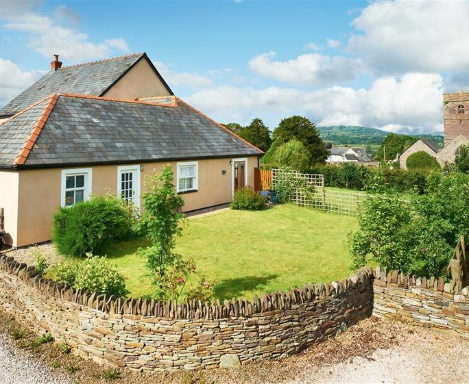 Gorgeous talgarth cottage s40271 little donkey cottage for Country cottage kennel