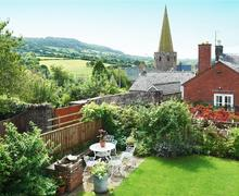 Snaptrip - Last minute cottages - Attractive Grosmont Cottage S40296 - 120810-Castle-House-02