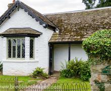Snaptrip - Last minute cottages - Excellent Hay On Wye Town Cottage S60595 - Lower More lodge Web Jpegs-3948