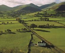 Snaptrip - Last minute cottages - Quaint Cantref Cottage S40183 - Trosnant mountains ext 1 - Copy