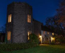 Snaptrip - Last minute cottages - Splendid Llanfihangel Crucorney Cottage S40190 - The Tower Night-reduced