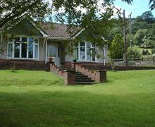 Snaptrip - Last minute cottages - Lovely Pen Y Cae Cottage S40184 - Nant Y Gwared Ext