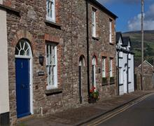 Snaptrip - Last minute cottages - Stunning Llangattock Cottage S40242 - The-Crown-4259
